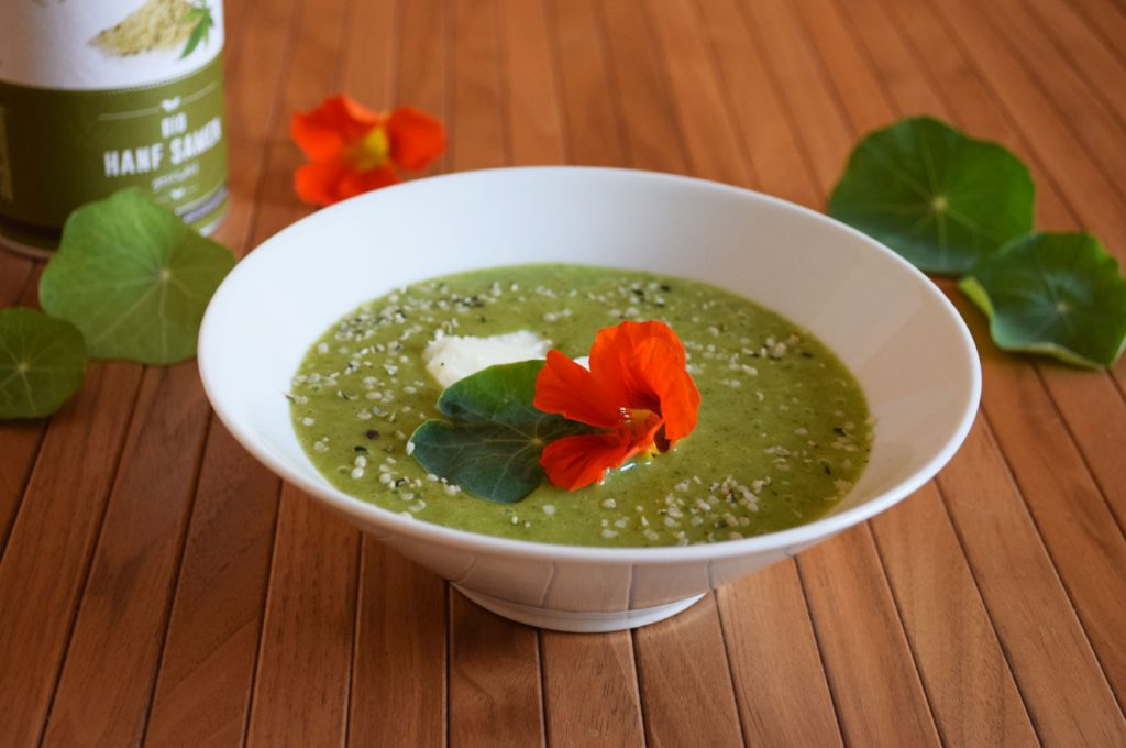 Grün. Cremig. Very special: Kapuzinerkresse-Suppe